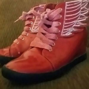 Size 8 Kiss & Tell Red Wing Heels